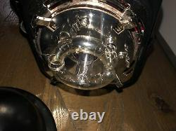 Paul C Buff Einstein 640 WS Flash unit with power cord. Needs New Bulb