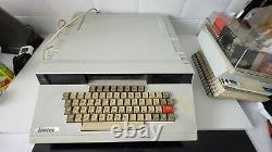 Tatung Einstein Vintage Computer (modèle Tc01) Disques Groupés Et Livres De Puissance Testés
